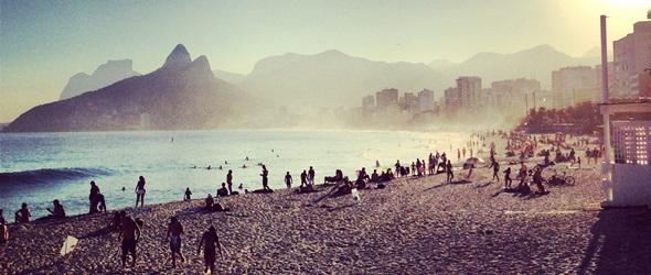 Playa de Ipanema. Descubre Rio de Janeiro mientras aprendes Portugués con Rio & Learn.