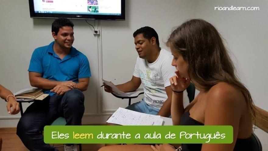 Verb Ler in the Present in Portuguese. Eles leem durante a aula de Português.