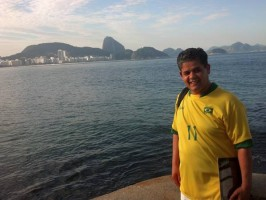 camisa onze da seleção brasileira from forte de copacabana, viewing of copacabana beach and sugarloaf mountain landscape, learn Portuguese and discover Rio de Janeiro with RioLIVE! Activities by Rio&Learn Portuguese School.