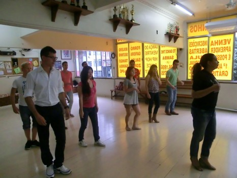 Portuguese students learning Brazilian dance