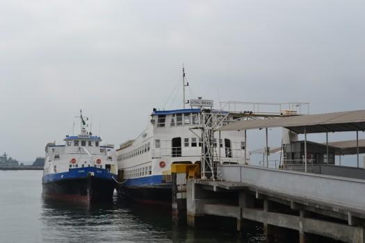 Barcas no porto da praça XV