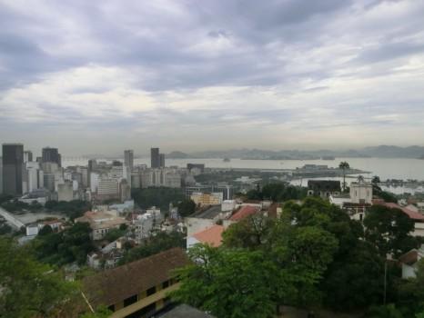 A vista para a Marina da Glória desde o Parque das Ruínas.