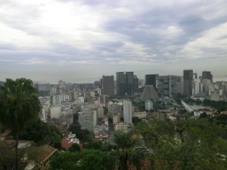 A vista para o Centro da cidade, Catedral e Largo da Carioca.