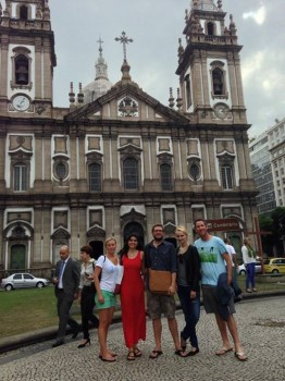 Igreja da Candelária with students from Rio&Learn Portuguese School