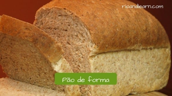 Café da manhã brasileiro. Pão de forma