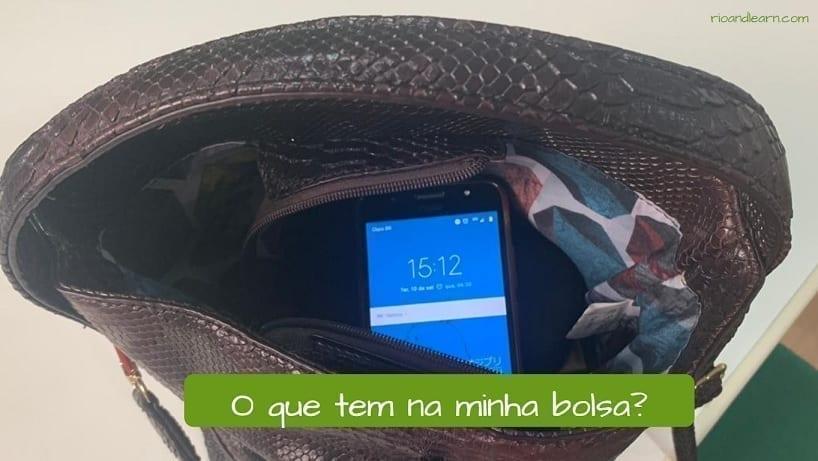 Exercício com o verbo ter em português. O que tem na minha bolsa?