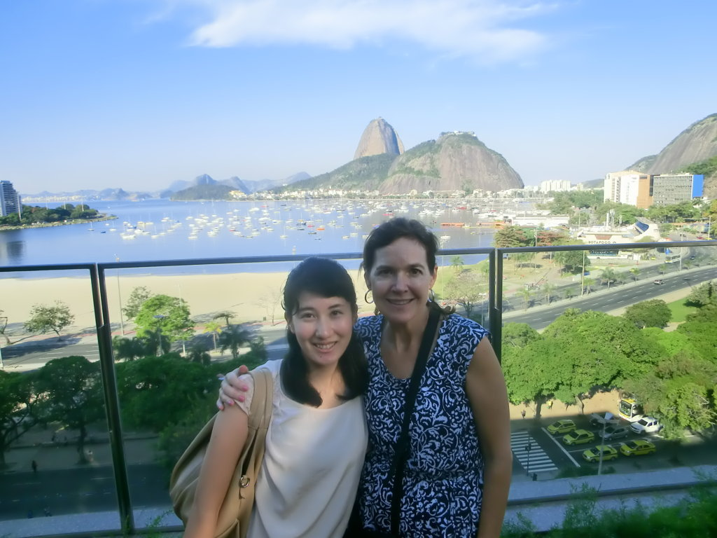 American and Japanese student. Learn Portuguese and discover Rio de Janeiro with RioLIVE! Activities by Rio & Learn Portuguese School.