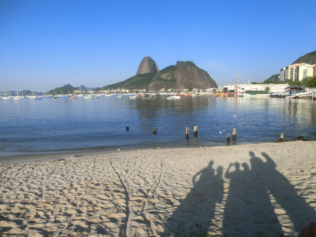 Sugar Loaf and Botafogo beach. Learn Portuguese and discover Rio de Janeiro with RioLIVE! Activities by Rio & Learn Portuguese School.
