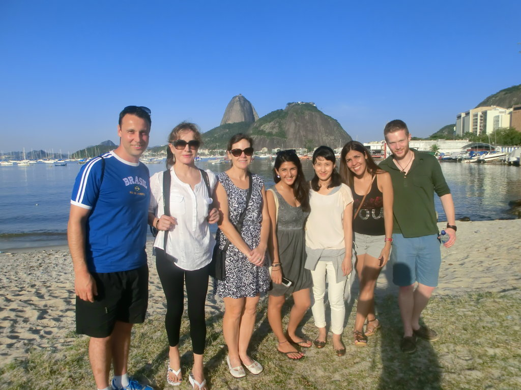 Group of students. Learn Portuguese and discover Rio de Janeiro with RioLIVE! Activities by Rio & Learn Portuguese School.