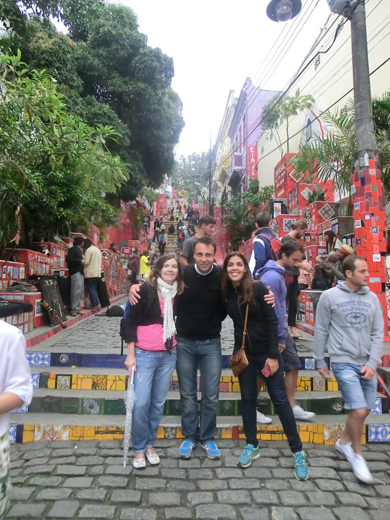 Portuguese students at Escadaria Selaron