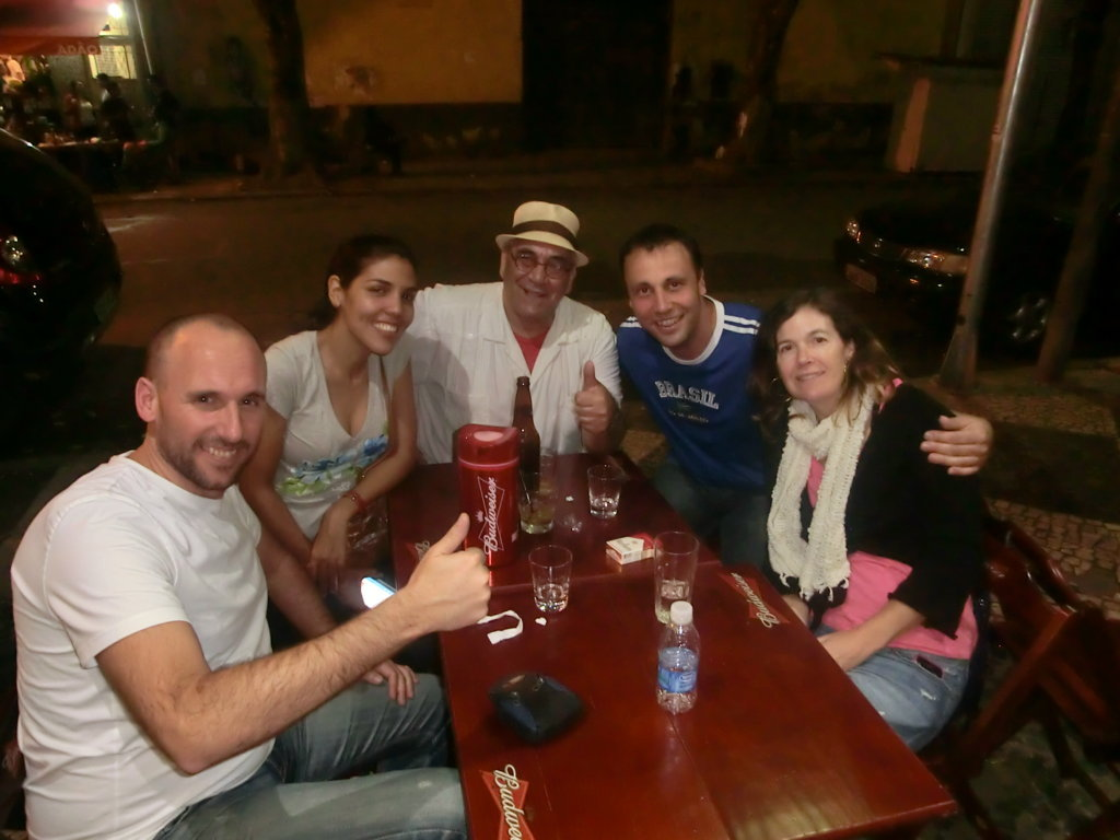 Students of Rio & Learn, speaking Portuguese