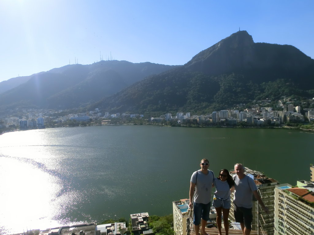 Foreign students at Lagoa from Parque da Catacumba