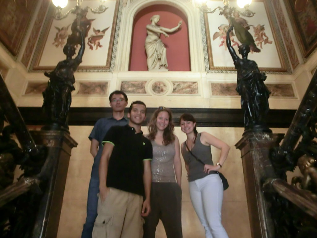 Portuguese students at museu da república.