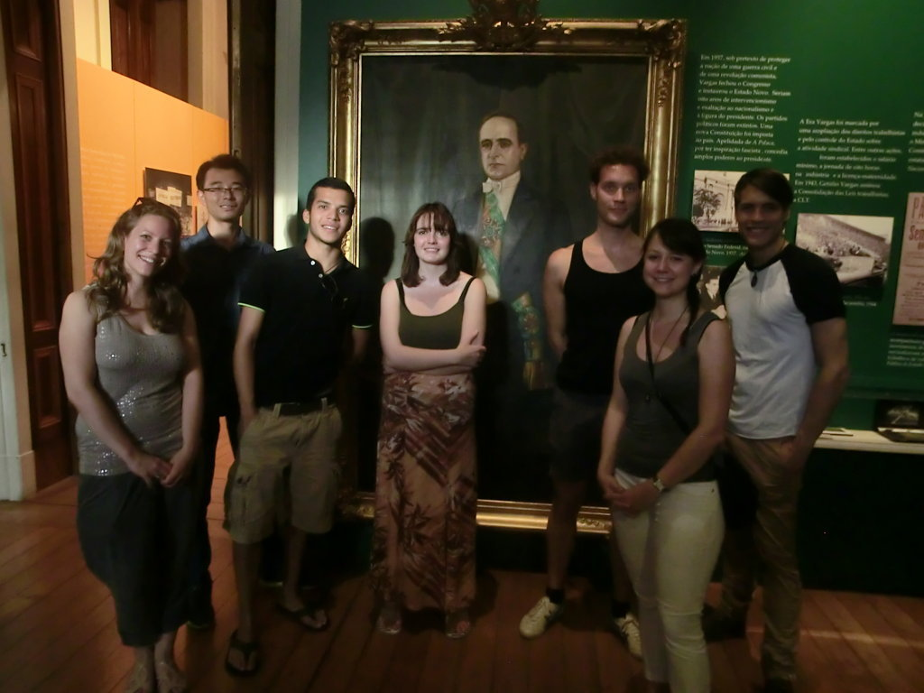 Portuguese students at the museum