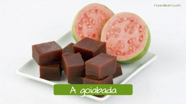 Postre brasileiro hecho de guayaba: A goiabada.