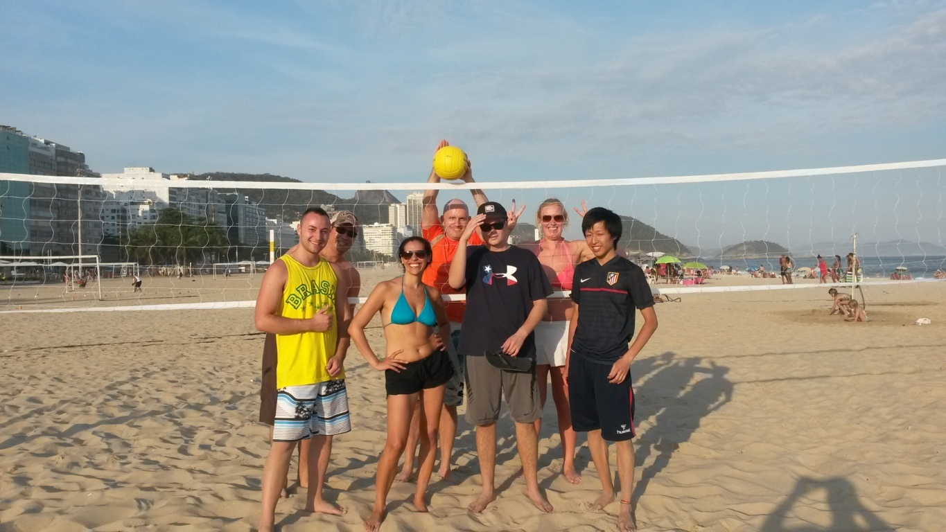 Beach Volley afternoon in Copacabana with our international Portuguese language students.