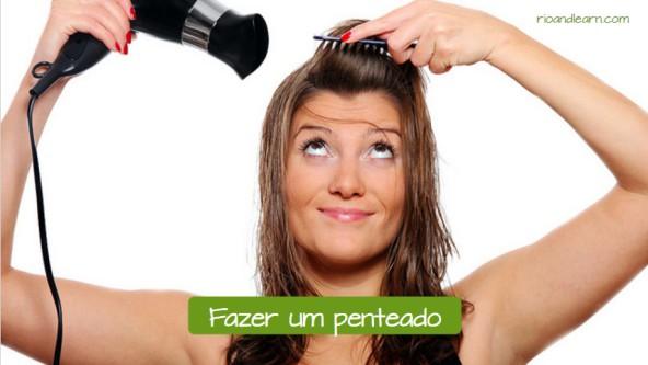 O que as mulheres fazem no salão de beleza: Fazer um penteado.