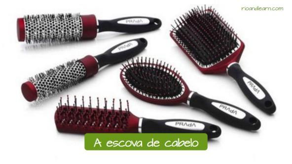 Objetos do salão de beleza: A escova de cabelo.