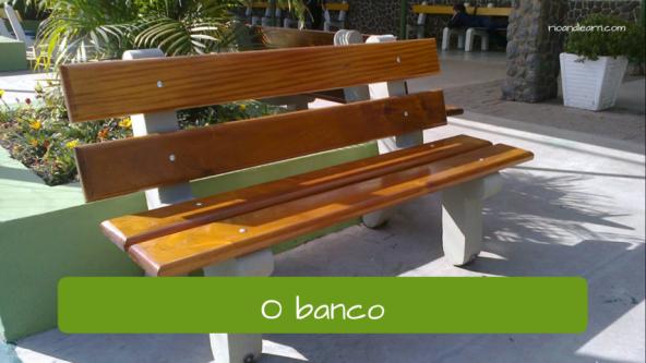 Park vocabulary in Portuguese. The bench: O banco.