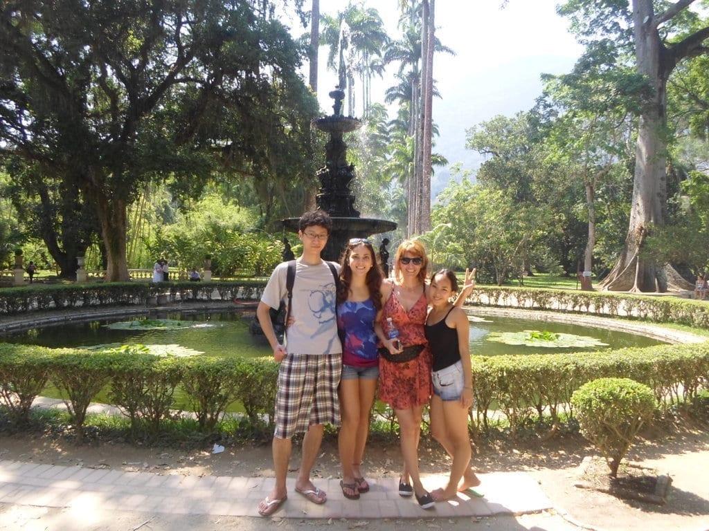 Portuguese students at Jardim Botânico.