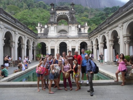 Portuguese students at Parque Lage.