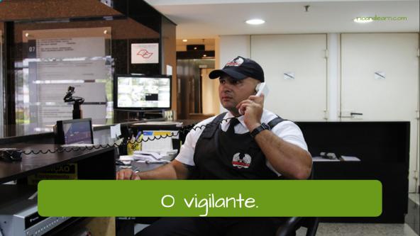Professionals at a bank. The security guard: O vigilante.