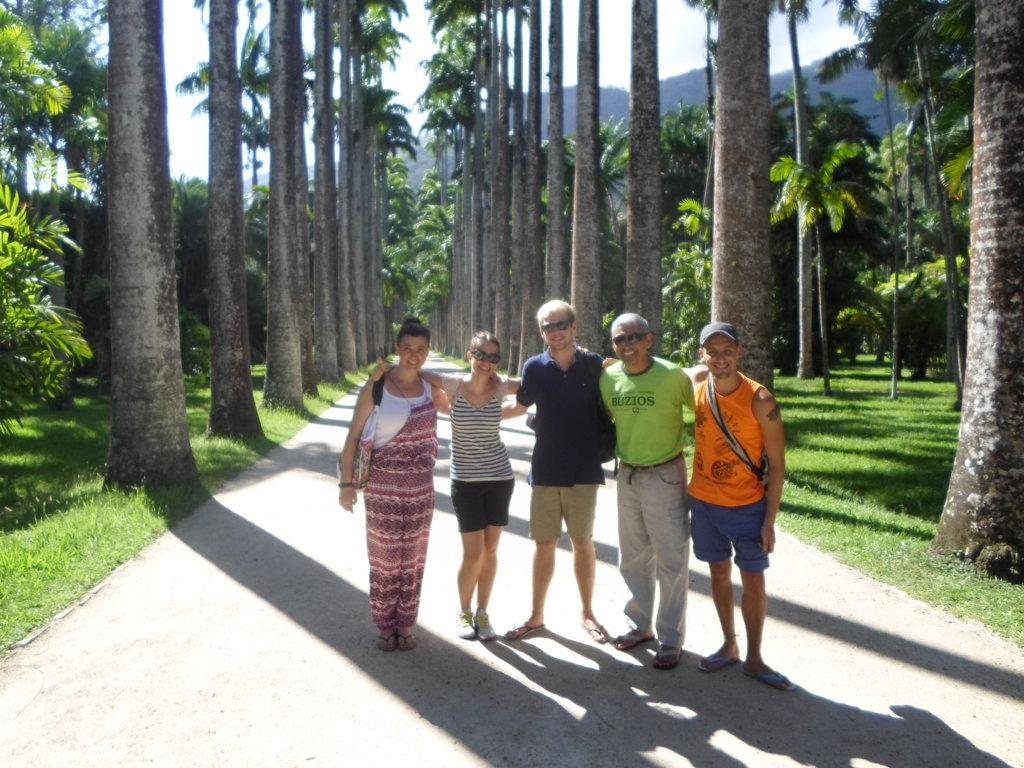 Portuguese students at Botanical Garden. Jardim Botânico, Rio de Janeiro, Brasil.