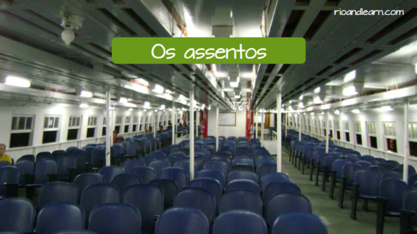 Vocabulary of boats in Portuguese. The seats: Os assentos.