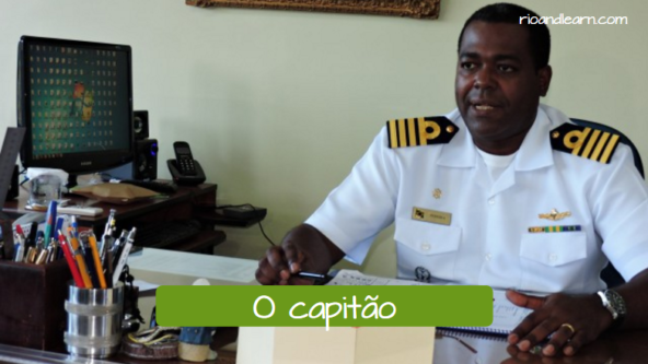 Boats, Ferries and Ships vocabulary in Portuguese. The captain: O capitão.