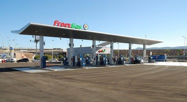 Gas Station in Portuguese: o posto de gasolina.
