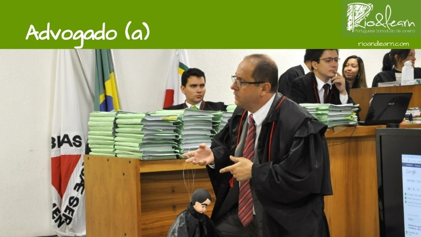 Professions in Portuguese. O advogado. The lawyer