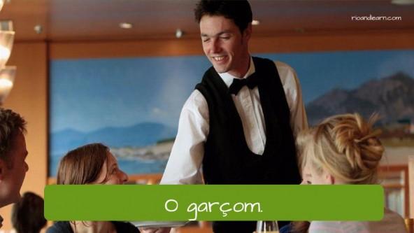 Vocabulário de restaurante em Português: o garçom (waiter)