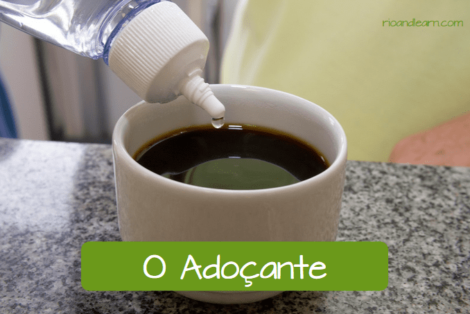 How do Brazilians like their coffee? O adoçante
