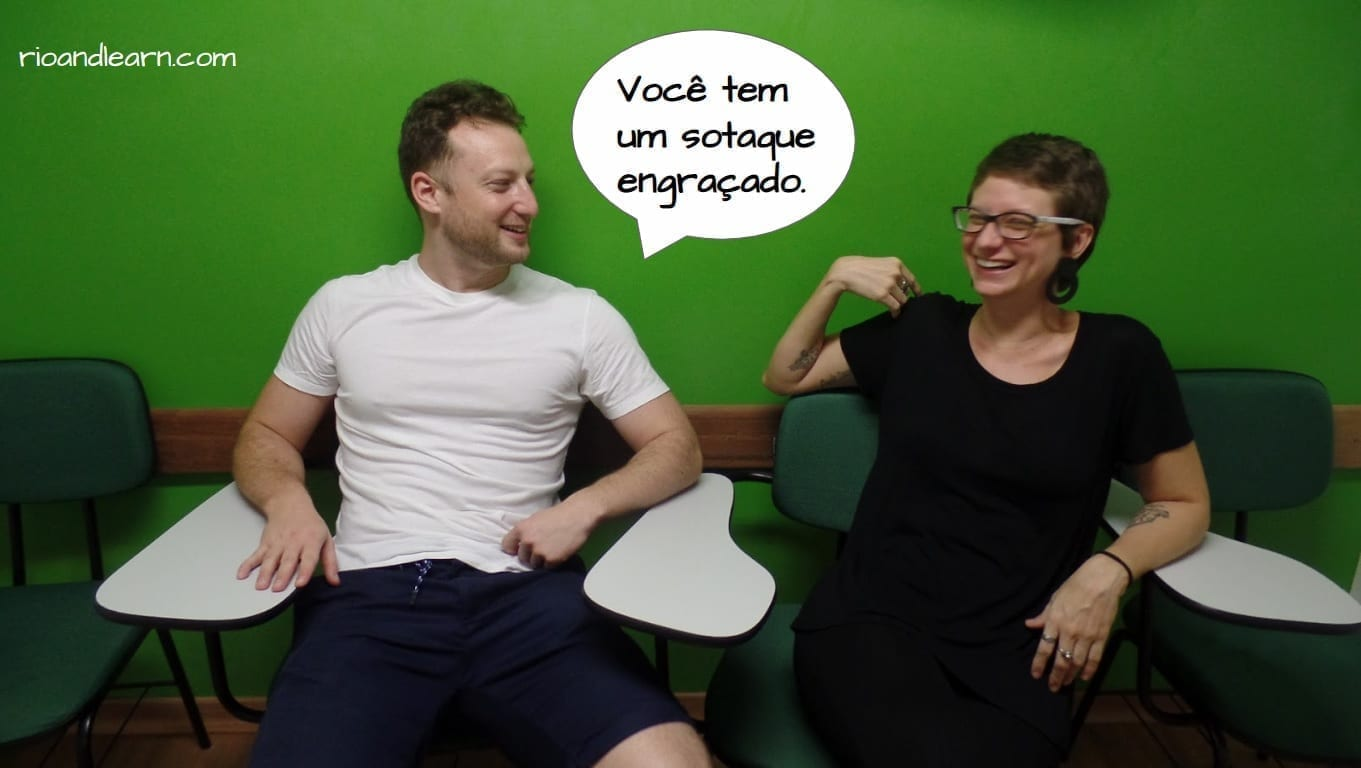 Você tem um sotaque engraçado. Brazilian English Accent. Brasileiros falando Inglês.