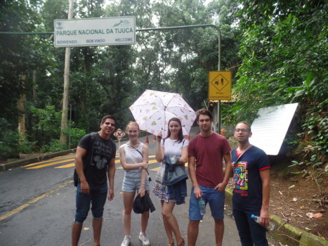 Portuguese students at Parque Nacional da Tijuca.