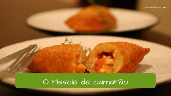 Salgados no Brasil: o rissole de camarão.