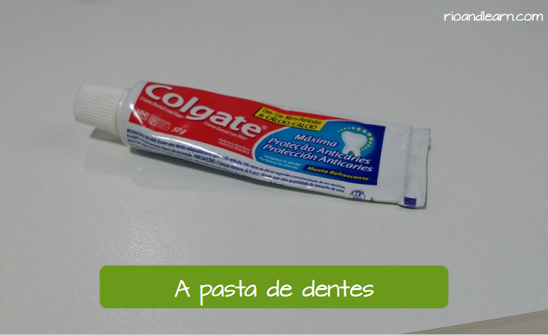 Brazilian habits: Toothbrush and Toothpaste. A pasta de dentes.