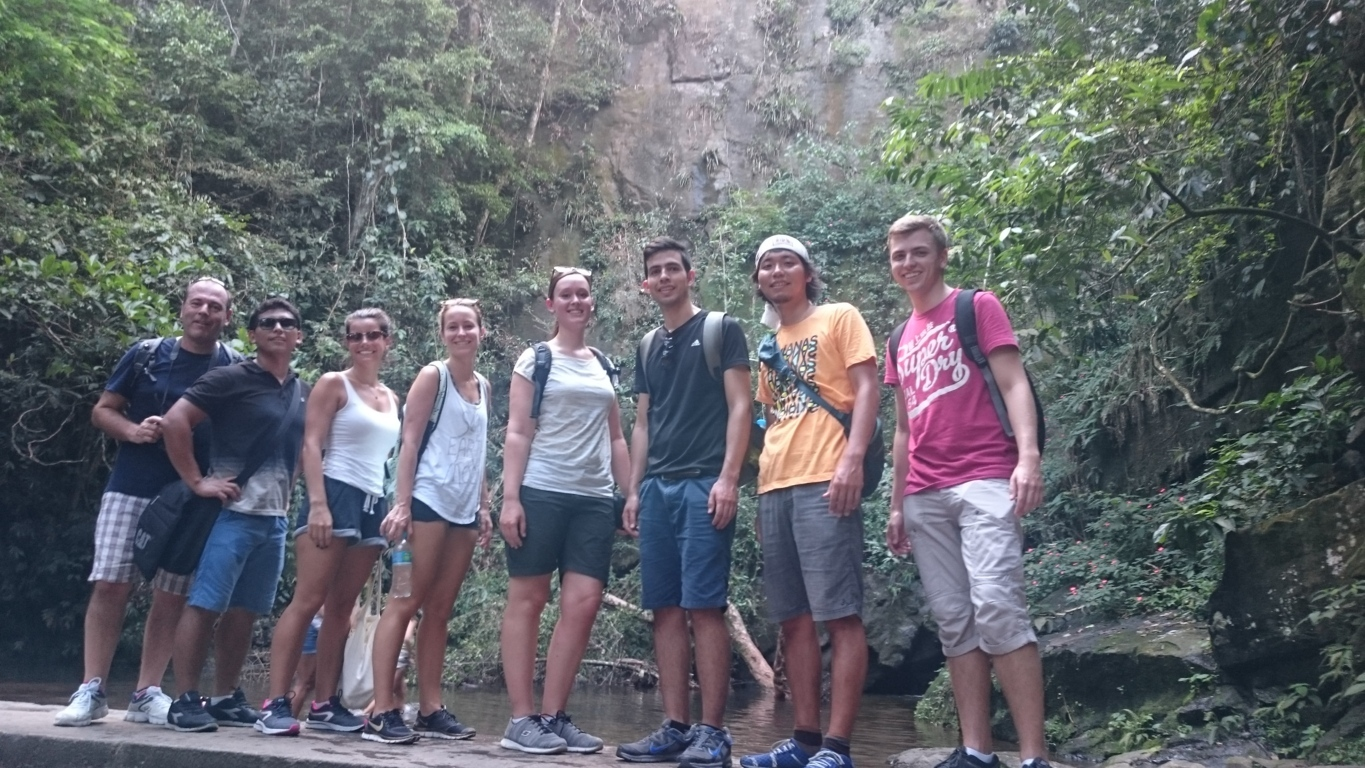 A stop at Vista Chinesa Trekking with our Portuguese students.