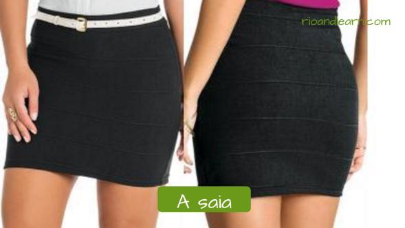 Vocabulario en portugués de ropas femeninas. La falda: A saia. Falda corta negra.