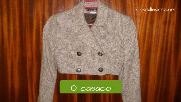 Ropas femeninas en portugués. El abrigo: O casaco. Abrigo con corte alto que deja libre la cintura.