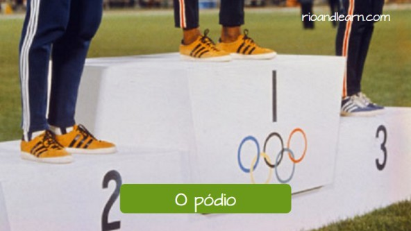 Vocabulary for the Olympic Games in Portuguese: O pódio.