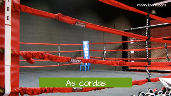 The ropes in Portuguese: as cordas.