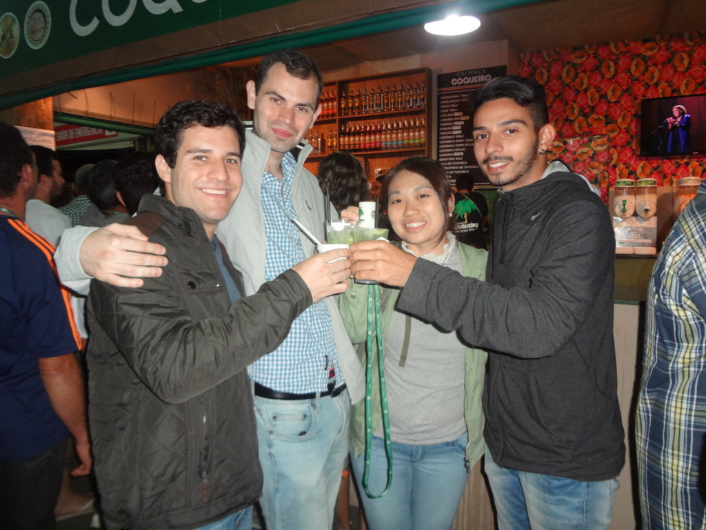 Party at Paraty - Students drinking caipirinha