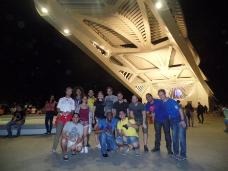 Students at Boulevard Olímpico.