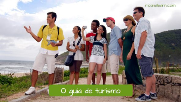 Example of travel vocabulary in Portuguese. The tourist guide: O guia de turismo.