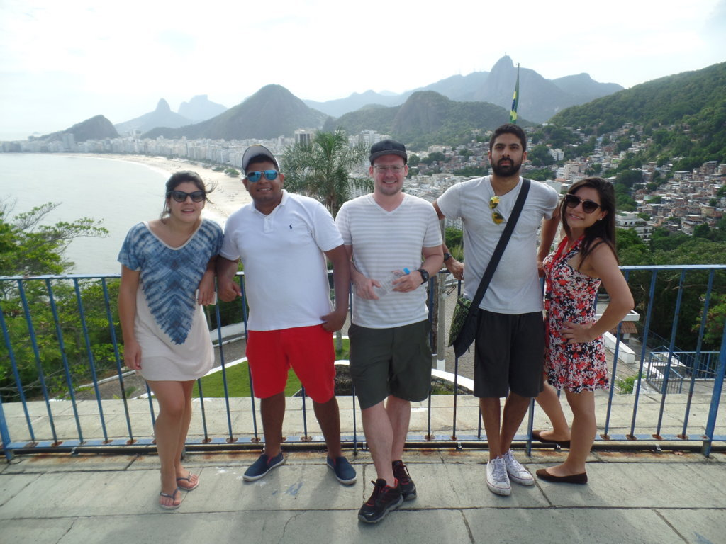 Yesterday our RioLIVE! had a lot of fun, we had the opportunity to meet the neighborhood Leme, one of the most beautiful in Rio de Janeiro.