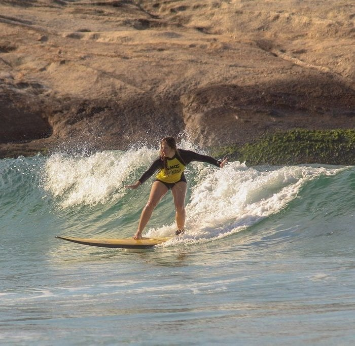 Surf no Rio de Janeiro com Rio & Learn.