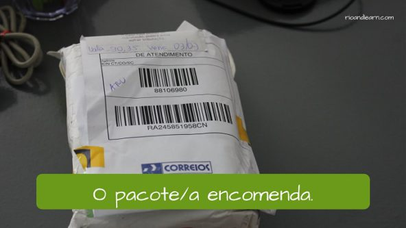 Example of post Office Vocabulary. The package: O pacote / a encomenda.