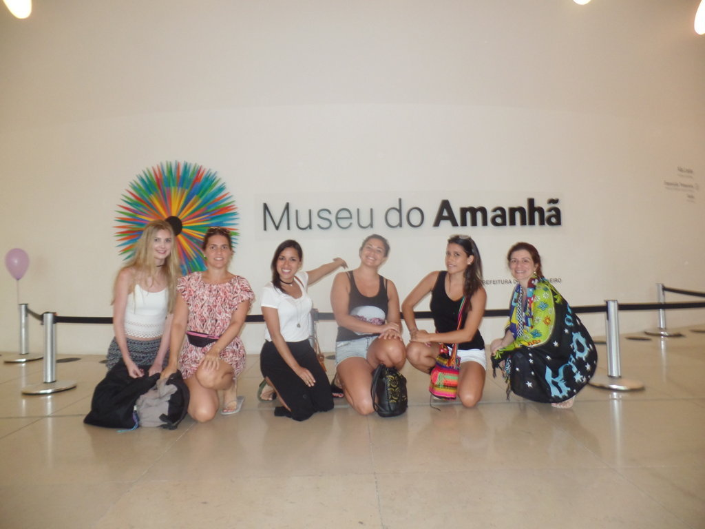 Students at Museu do Amanhã.