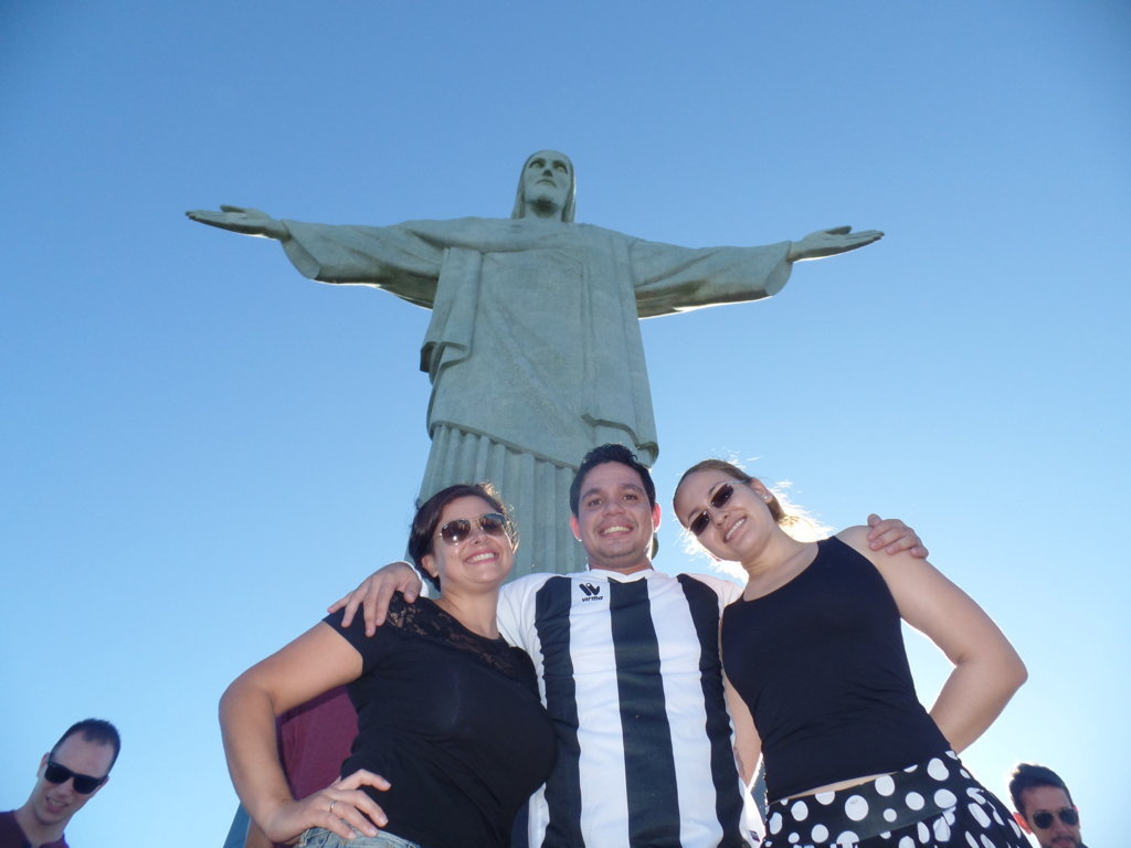 Students and teacher enjoying Cristo.